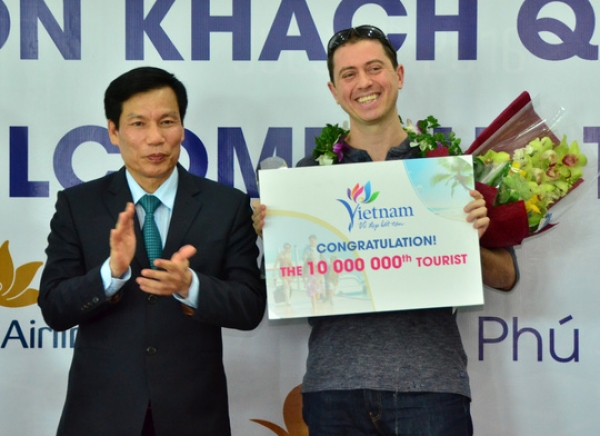 VN welcomes 10 millionth foreign visitor in Phu Quoc