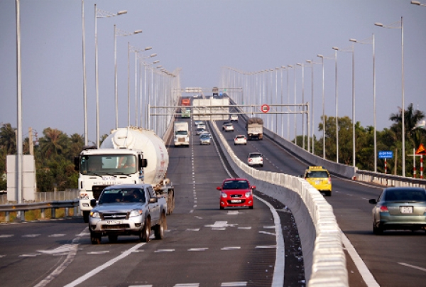 ​Ho Chi Minh - Dau Giay expressway opens to traffic