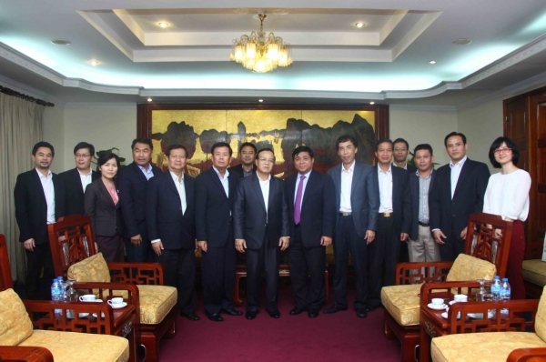 Strengthen exchange of experience between the two Ministries of Planning and Investment of Vietnam and Laos