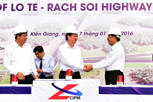 Can Tho-Kien Giang road ground broken