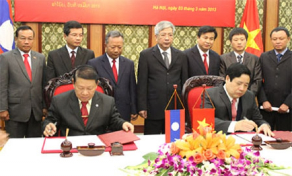 Vietnamese, Laos defence ministries to consolidate traditional bonds